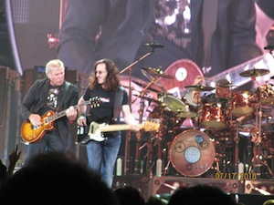 Rushはカナダ出身のプログレ系、三人組のロックバンド