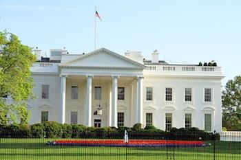 ホワイトハウスの名前の由来は? | 色に関する雑学