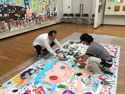 『生命の壁画』ワークショップの様子